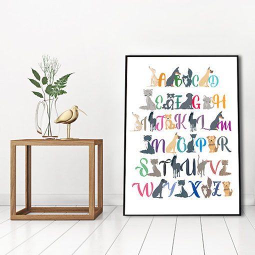 Plakat z alfabetem i zwierzątkami