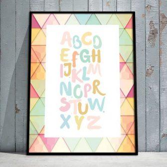 Plakat z kolorowymi literami