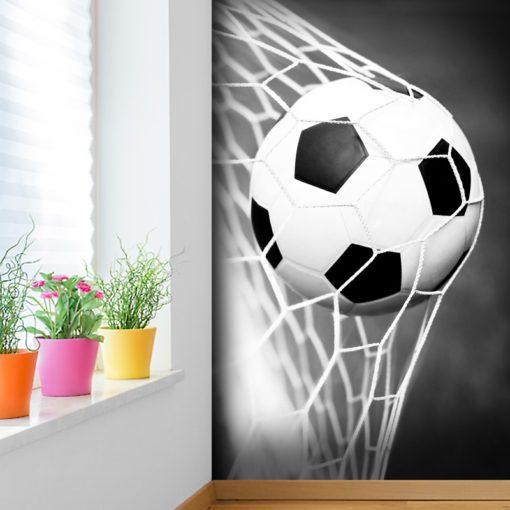 Dekoracja o stonowanej kolorystyce z piłką