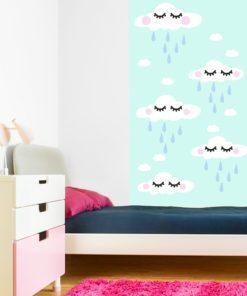 Tapeta z modnym motywem chmurek dla dzieci