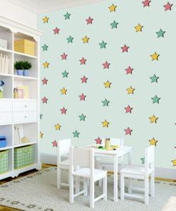 Gwiazdki w różnych kolorach na tapecie dla dzieci