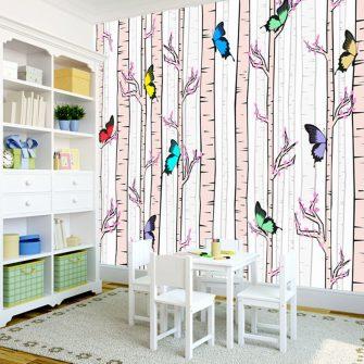 Brzozowy las i motylki jako motyw dekoracji ściennej
