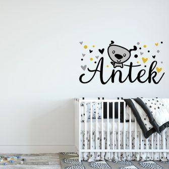 naklejka na ścianę z imieniem dziecka