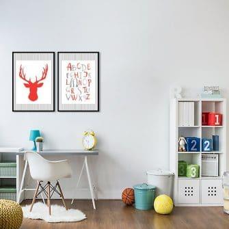 czerwony jeleń z abecadłem