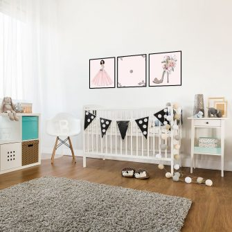 różowy plakat do pokoju córki