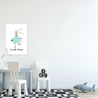 plakat królica w niebieskiej sukience