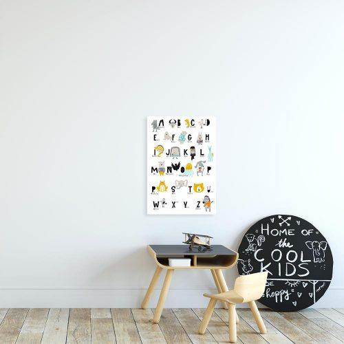 plakat z motywem zwierząt i liter