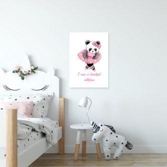 Panda na plakacie