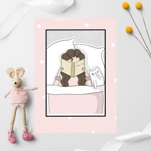 Plakat dziecięcy z czytającą dziewczynką