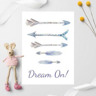 plakat z niebieskimi strzałami do pokoju dziecka
