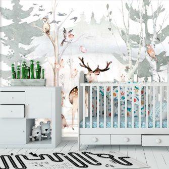pokój niemowlaka dekorowany foto-tapetą w pastelowych barwach