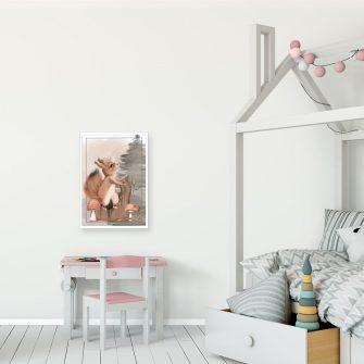 Plakat z wiewiórką na pniu dla dziewczynki
