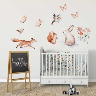 beżowe ptaszki na ściennej naklejce dla dzieci