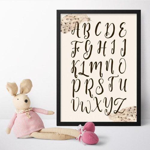 plakat dla dzieci z piórkiem i literkami